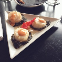 Scallops with laver seaweed